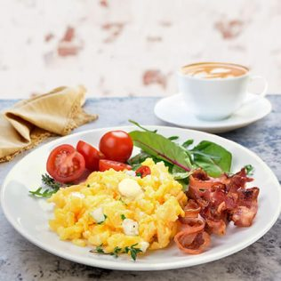 Bocconcini Mini Scrambled Eggs with Tomatoes and Bacon